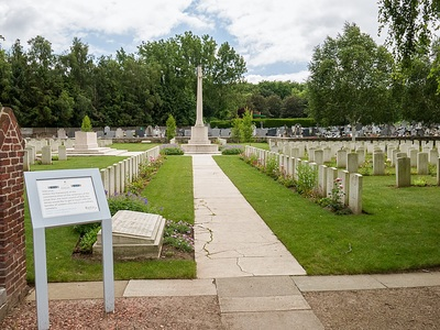 BULLY-GRENAY COMMUNAL CEMETERY - BRITISH EXTENSION