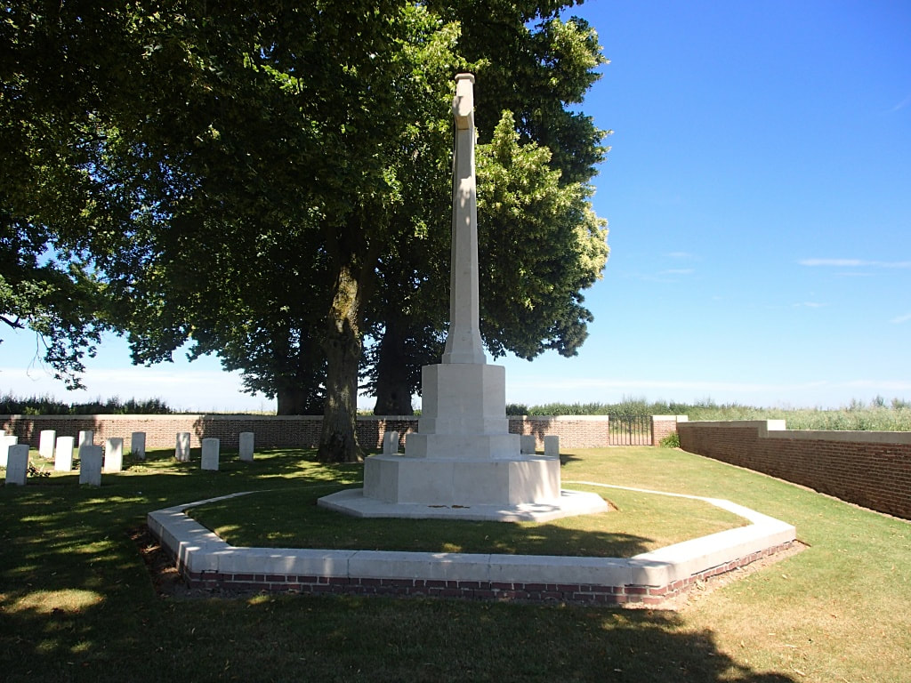 Sucrerie Military Cemetery, Colincamps