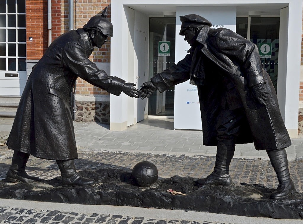 Christmas Truce Of 1914.Christmas Truce Ww1 Cemeteries Com A Photographic Guide
