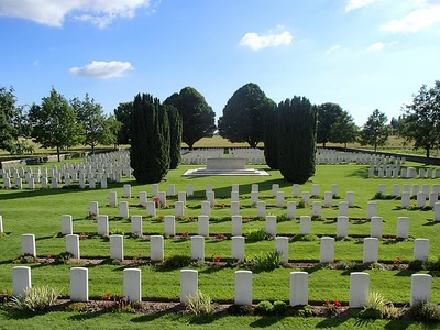 VIEILLE-CHAPELLE NEW MILITARY CEMETERY